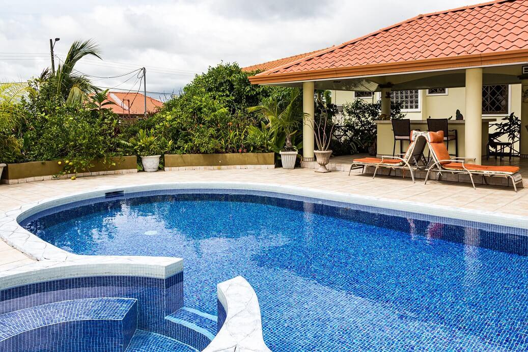 mantenimiento agua piscinas hotel